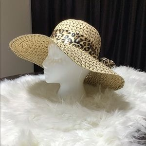 Stylish and fun in this leopard scarf sun hat